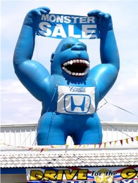 car-dealership-inflatable-gorilla